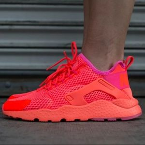 Nike Huarache Run Ultra WMNS total crimson